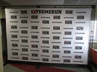 Truss reklaamsein Extreme Run