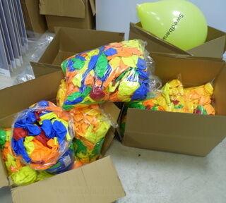 Värilliset ilmapallot