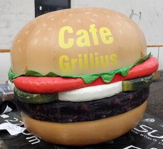 Ilmatäytteinen hampurilainen Cafe Grillius